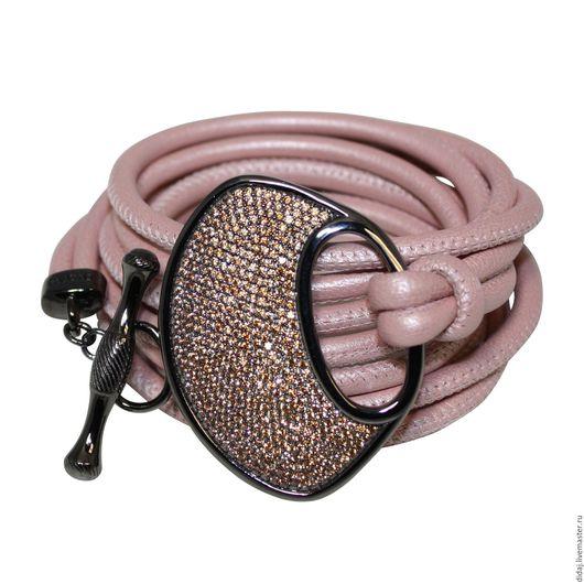 Браслеты ручной работы. Ярмарка Мастеров - ручная работа. Купить Изящный браслет из итальянской кожи с декоративной застежкой. Handmade.