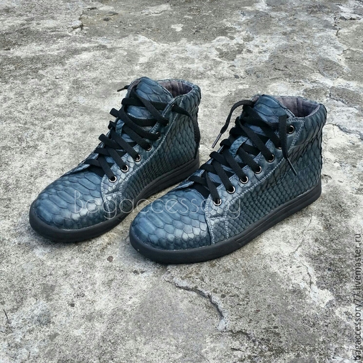 Обувь ручной работы. Ярмарка Мастеров - ручная работа. Купить Кеды из натуральной кожи питона. Handmade. Темно-серый