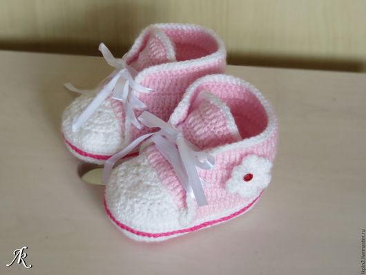 """Для новорожденных, ручной работы. Ярмарка Мастеров - ручная работа. Купить Пинетки """"Кедики"""". Handmade. Бледно-розовый, пинетки для девочки"""