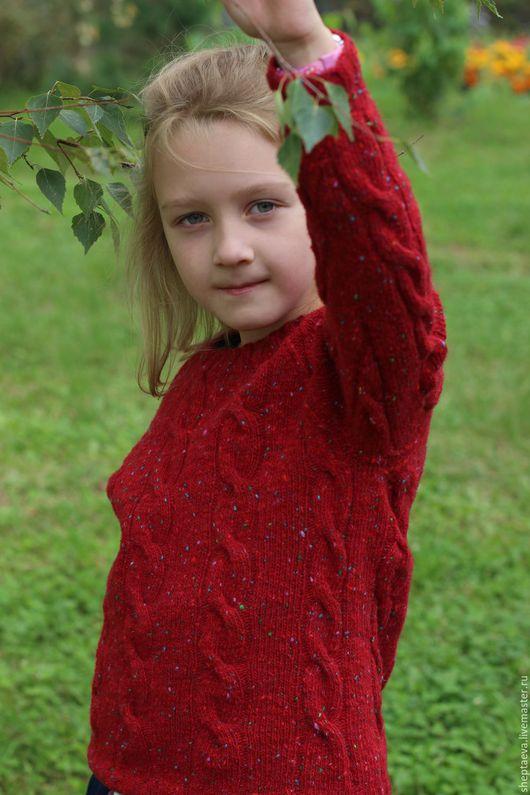 """Одежда унисекс ручной работы. Ярмарка Мастеров - ручная работа. Купить Детский свитер """"Омела"""". Handmade. Ярко-красный"""