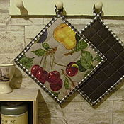 Для дома и интерьера ручной работы. Ярмарка Мастеров - ручная работа Кухонные прихватки Вишня набор 2 штуки.. Handmade.