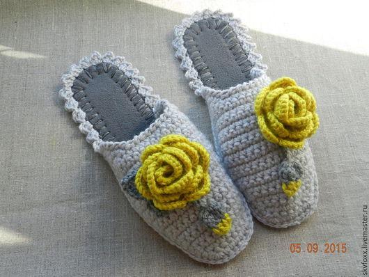 """Обувь ручной работы. Ярмарка Мастеров - ручная работа. Купить """"Оливковые Розы"""" тапочки (подошва валяная). Handmade. Серый, желтый"""