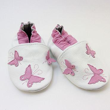 """Обувь ручной работы. Ярмарка Мастеров - ручная работа Кожаные тапочки""""Бабочки"""",мокасины,кожаная обувь.. Handmade."""