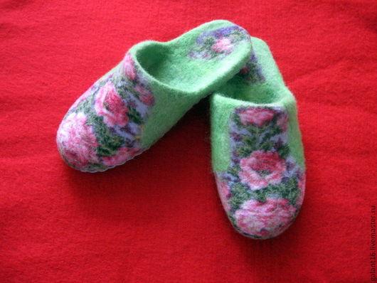 """Обувь ручной работы. Ярмарка Мастеров - ручная работа. Купить Валяные тапочки """"Аромат шиповника"""". Handmade. Натуральный, павловопосадский платок"""