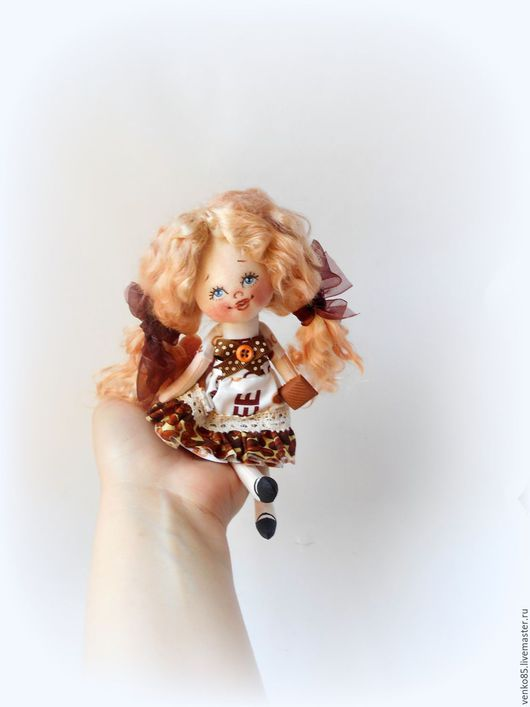 Коллекционные куклы ручной работы. Ярмарка Мастеров - ручная работа. Купить Чудо на ладошке Кофе с шоколадкой (блондинка). Handmade. Коричневый