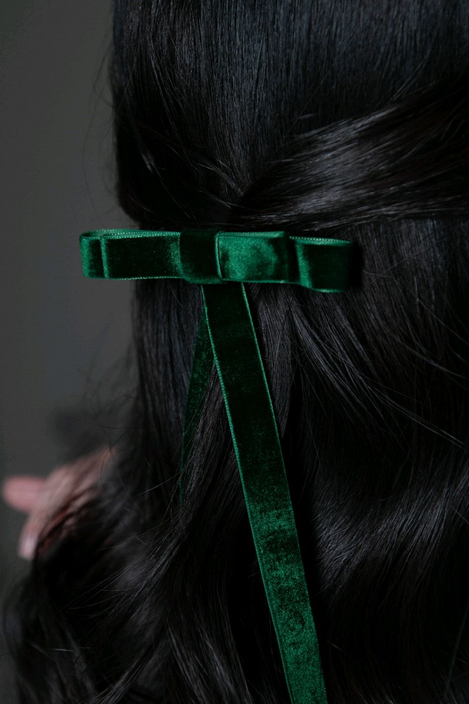 Бант-заколка для волос Мерси из бархата, изумрудный, Заколки, Москва,  Фото №1