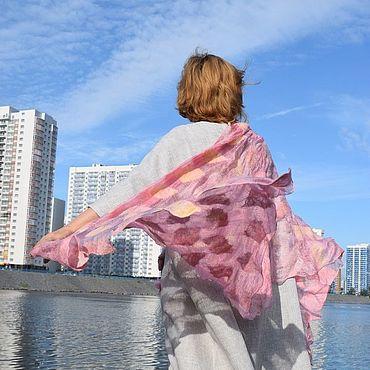 Аксессуары ручной работы. Ярмарка Мастеров - ручная работа Перламутрова розовый валяный на шелковый шарф гроздья винограда. Handmade.