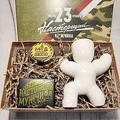 Подарки на 23 февраля ручной работы. Ярмарка Мастеров - ручная работа Подарочный набор «Сильному мужчине», фигурка из керамики, чай, мед. Handmade.