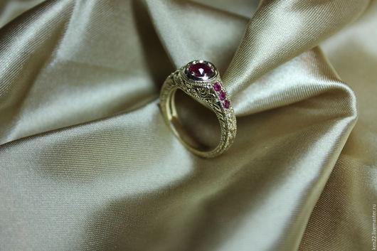 Кольца ручной работы. Ярмарка Мастеров - ручная работа. Купить Золотое кольцо с рубинами. Handmade. Желтый, ручная работа, кольцо