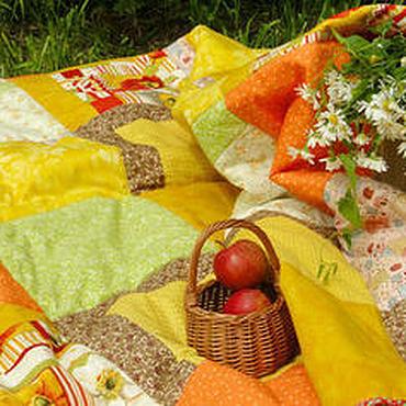 Для дома и интерьера ручной работы. Ярмарка Мастеров - ручная работа Лоскутное одеяло покрывало на кровать в стиле печворк Яблоки кантри. Handmade.