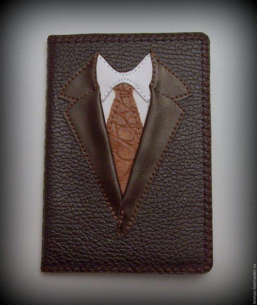 Обложки ручной работы. Ярмарка Мастеров - ручная работа. Купить Обложка для паспорта Настоящий мужчина кожа с вышивкой. Handmade.