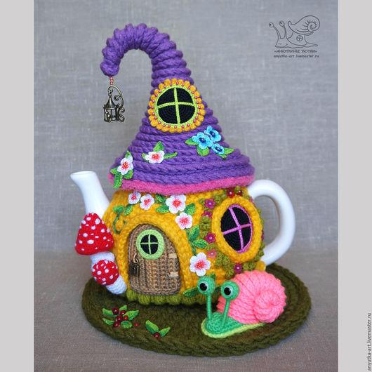 """Кухня ручной работы. Ярмарка Мастеров - ручная работа. Купить Грелка на чайник """"Пузатенький домик"""" (с чайником). Handmade."""