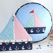Для дома и интерьера ручной работы. Ярмарка Мастеров - ручная работа Пуфик и пижамница -кораблик. Подарочный комплект. Handmade.