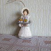 Подарки к праздникам ручной работы. Ярмарка Мастеров - ручная работа Служанка №2. Елочные игрушки из ваты. Handmade.