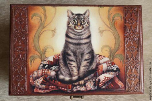 """Корзины, коробы ручной работы. Ярмарка Мастеров - ручная работа. Купить Сундук для Гуталина """"Настоящий Хозяин"""". Handmade. Коричневый, котик"""