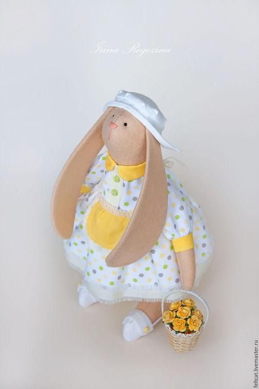Куклы Тильды ручной работы. Ярмарка Мастеров - ручная работа. Купить ''Хозяюшка с корзиной роз''  зайка. Handmade. Тильда заяц