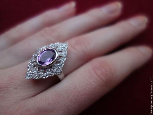 """Кольца ручной работы. Ярмарка Мастеров - ручная работа. Купить """"Клэр"""" - стильное серебряное кольцо с аметистом. Handmade. Фиолетовый"""