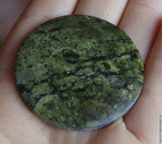 3336 Змеевик, размер 41х6мм, темно-зеленый с золотистыми блестками, 140руб.