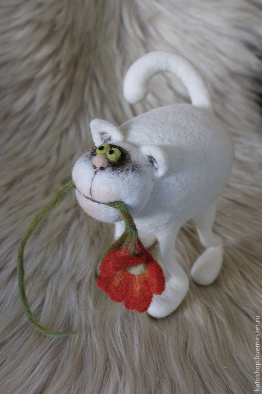 """Игрушки животные, ручной работы. Ярмарка Мастеров - ручная работа. Купить кот """"Женюсь""""войлочная игрушка. Handmade. Авторская игрушка, кот"""