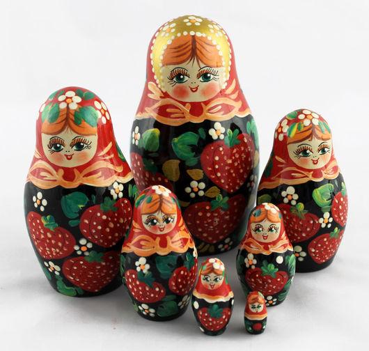 Матрешки ручной работы. Ярмарка Мастеров - ручная работа. Купить Клубника матрешка, традиционная роспись, русская кукла из 7 мест. Handmade.