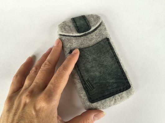 Для телефонов ручной работы. Ярмарка Мастеров - ручная работа. Купить Чехол для телефона с карманом из кожи серый. Handmade. серый