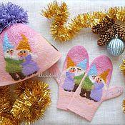 """Работы для детей, handmade. Livemaster - original item Комплект детский валяная шапка и варежки """"Веселые гномики"""". Handmade."""
