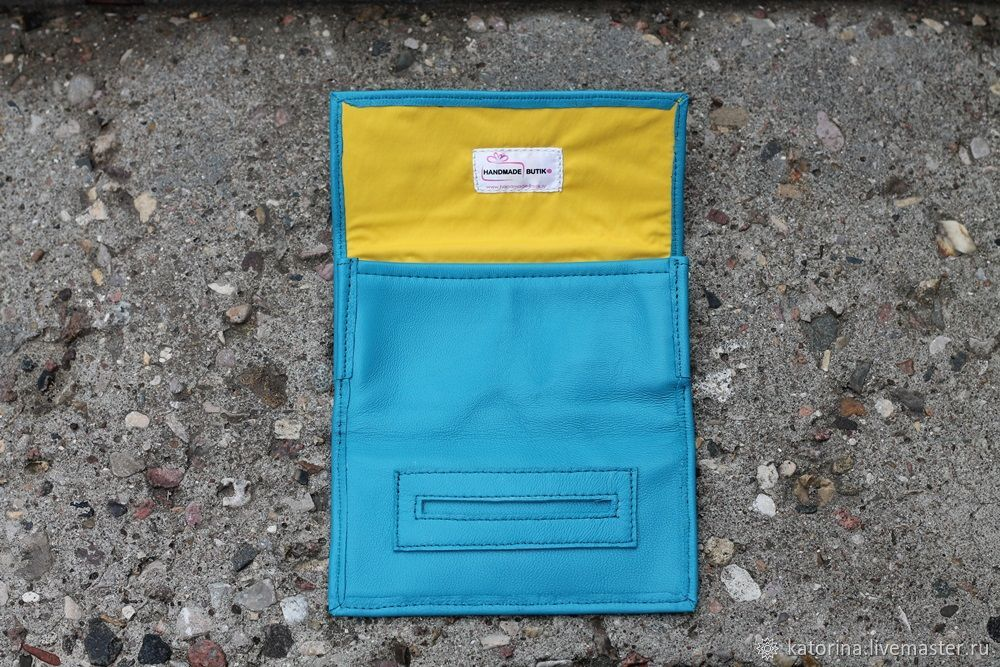 A pouch for tobacco leather Kombi Turquoise. Different colors