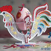 Материалы для творчества ручной работы. Ярмарка Мастеров - ручная работа Дизайн машинной вышивки Петушок кружевной-подставка для яиц. Handmade.