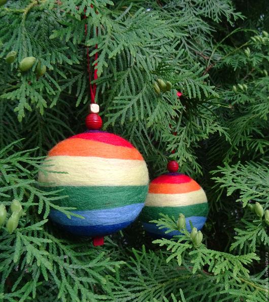 Новый год 2017 ручной работы. Ярмарка Мастеров - ручная работа. Купить Радужный новогодний шарик. Handmade. Разноцветный, новогодний сувенир