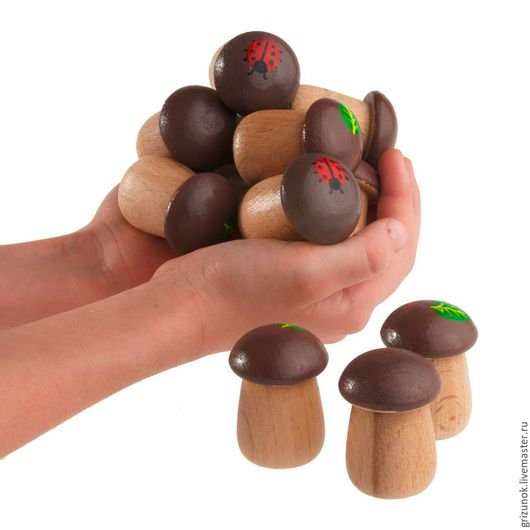 """Развивающие игрушки ручной работы. Ярмарка Мастеров - ручная работа. Купить Деревянные игрушки Счетный материал """"12 боровичков"""" в льняном мешочке. Handmade."""