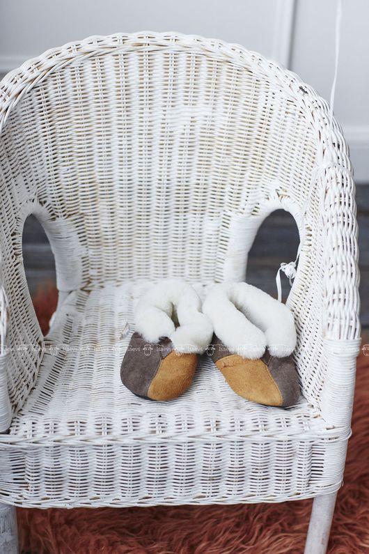 Детская обувь ручной работы. Ярмарка Мастеров - ручная работа. Купить Чуни детские из натуральной овчины. Handmade. Комбинированный, для детей
