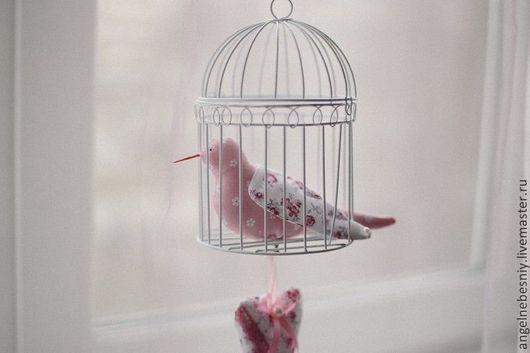 Куклы Тильды ручной работы. Ярмарка Мастеров - ручная работа. Купить Цветочные голубки, птички.. Handmade. Розовый, нежное украшение