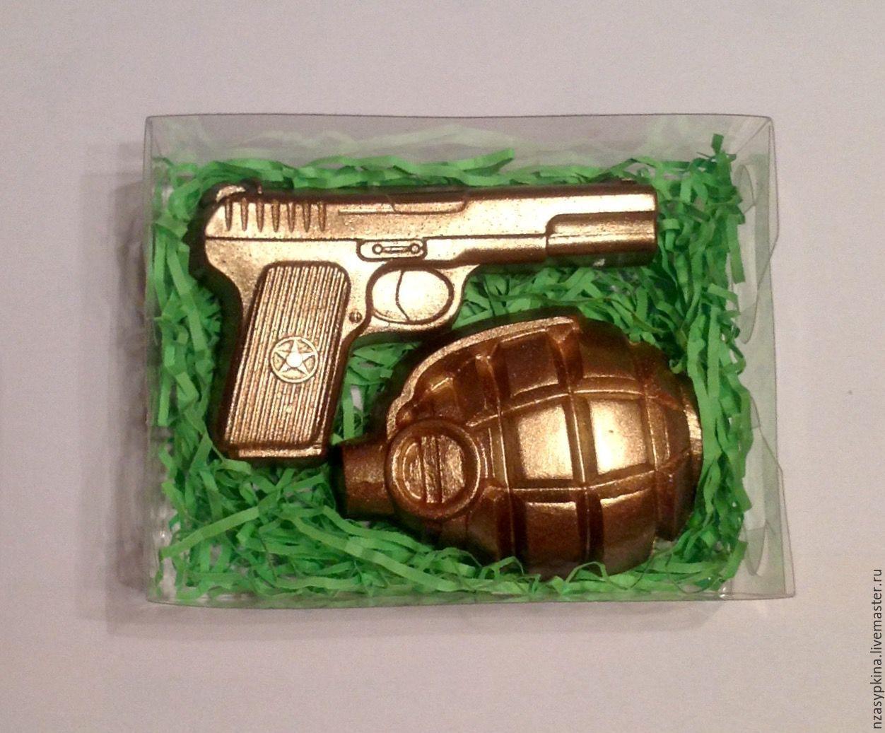 """Мыло ручной работы. Ярмарка Мастеров - ручная работа. Купить Подарочный набор мыла """"Пистолет и граната"""" - готовый подарок мужчине. Handmade."""