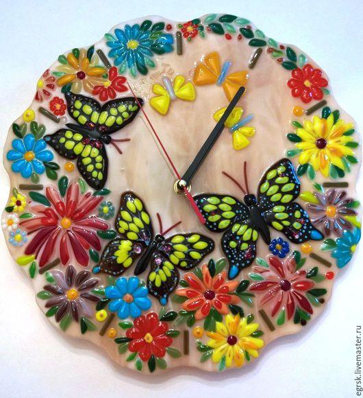 """Часы для дома ручной работы. Ярмарка Мастеров - ручная работа. Купить Часы """"Махаон"""" фьюзинг. Handmade. Бежевый, махаон"""