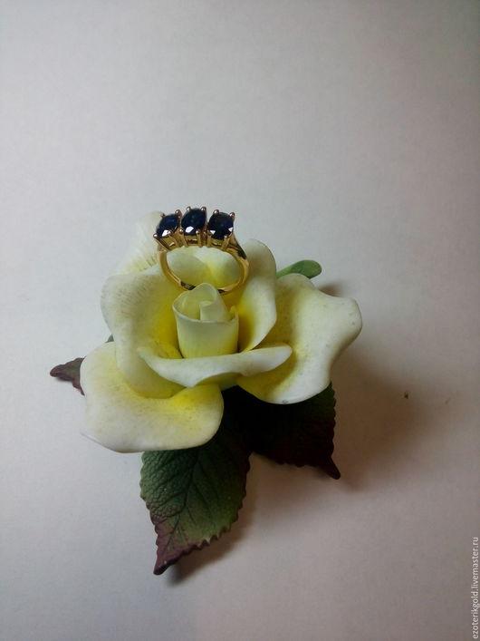 Кольца ручной работы. Ярмарка Мастеров - ручная работа. Купить Кольцо с тремя сапфирами. Handmade. Золотой, драгоценные камни