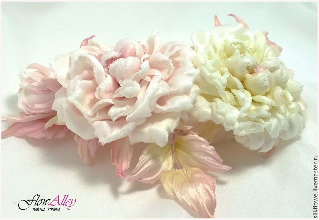 Легкие цветы из кожи