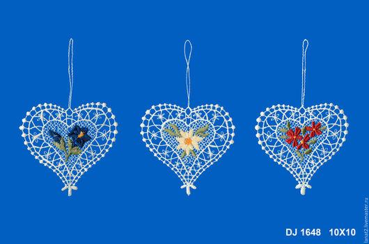 Подарки для влюбленных ручной работы. Ярмарка Мастеров - ручная работа. Купить Кружевные сердечки. Handmade. Кружево для декора, декор для дома