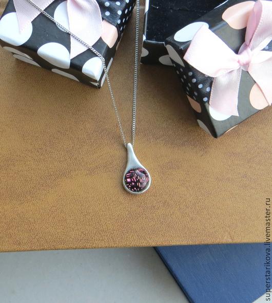 Кулоны, подвески ручной работы. Ярмарка Мастеров - ручная работа. Купить Кулон серебряный с дихроическим стеклом - m. Handmade. Розовый