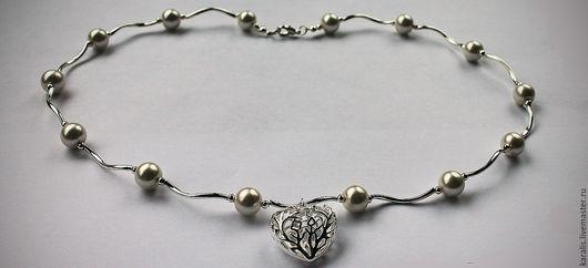 Колье, бусы ручной работы. Ярмарка Мастеров - ручная работа. Купить Ожерелье с сердечком и белым жемчугом Майорка. Handmade. Белый