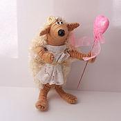 Куклы и игрушки ручной работы. Ярмарка Мастеров - ручная работа игрушка Ежик невеста бежевый(свадьба,ежики,ежонок,сердце). Handmade.