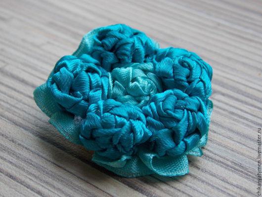 """Броши ручной работы. Ярмарка Мастеров - ручная работа. Купить Женская брошь """"Морской бриз"""". Handmade. Синий, украшение, клей"""