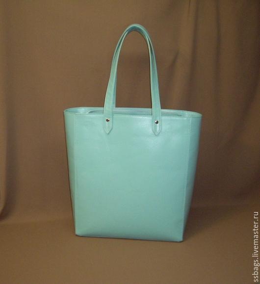 Женские сумки ручной работы. Ярмарка Мастеров - ручная работа. Купить Мятная сумка-пакет. Женская сумочка из натуральной кожи. Handmade.