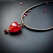 Подвеска ручной работы. Ярмарка Мастеров - ручная работа Сердце -кулон лэмпворк на шелковом шнуре. Handmade.