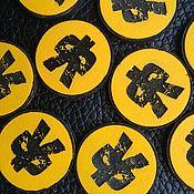 Магниты ручной работы. Ярмарка Мастеров - ручная работа Магниты: Фирменный значек. Handmade.