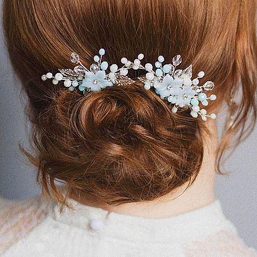 Свадебный салон ручной работы. Ярмарка Мастеров - ручная работа Бело-голубые свадебные гребни с цветами - украшение в прическу невесты. Handmade.