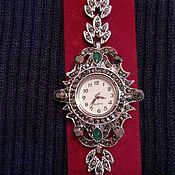 Винтажные часы ручной работы. Ярмарка Мастеров - ручная работа Часы женские наручные под серебро с марказитами и изумрудами винтаж. Handmade.