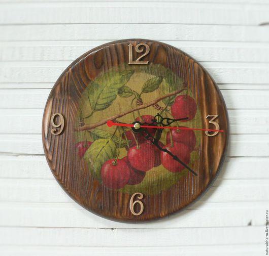 """Часы для дома ручной работы. Ярмарка Мастеров - ручная работа. Купить Часы настенные деревянные """"Вишневые"""". Handmade. Коричневый"""
