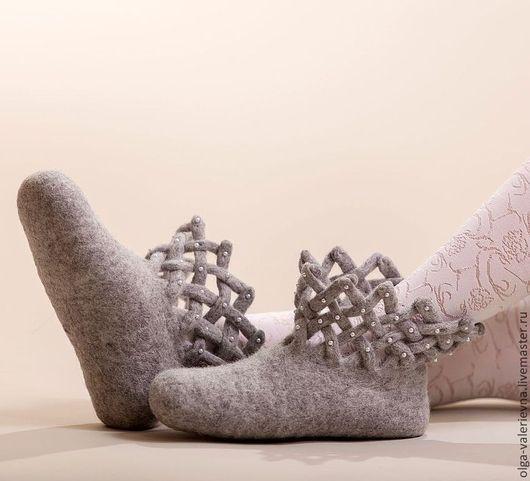 Обувь ручной работы. Ярмарка Мастеров - ручная работа. Купить Валеночки Жемчужинка.. Handmade. Серый, валенки ручной работы