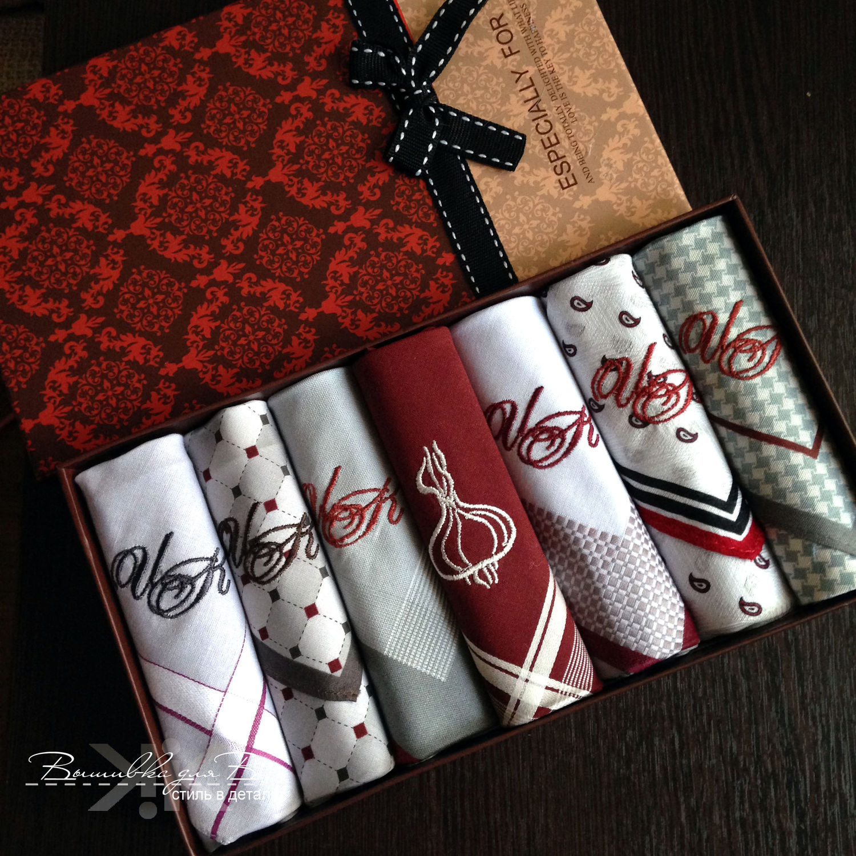Мужские носовые платки с вышивкой