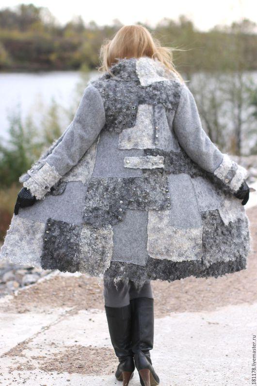 """Верхняя одежда ручной работы. Ярмарка Мастеров - ручная работа. Купить Пальто теплое и уютное """"Город, дождь и я """". Handmade."""